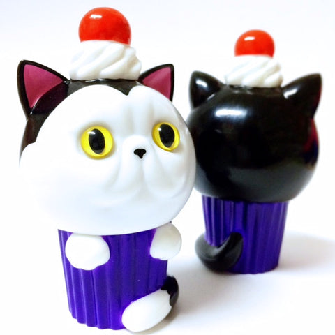 Exotic Short Hair Cupcat - handpainted black/white/purple
