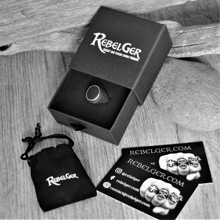 BLACK SIGNET STONE RING-Rebelger.com