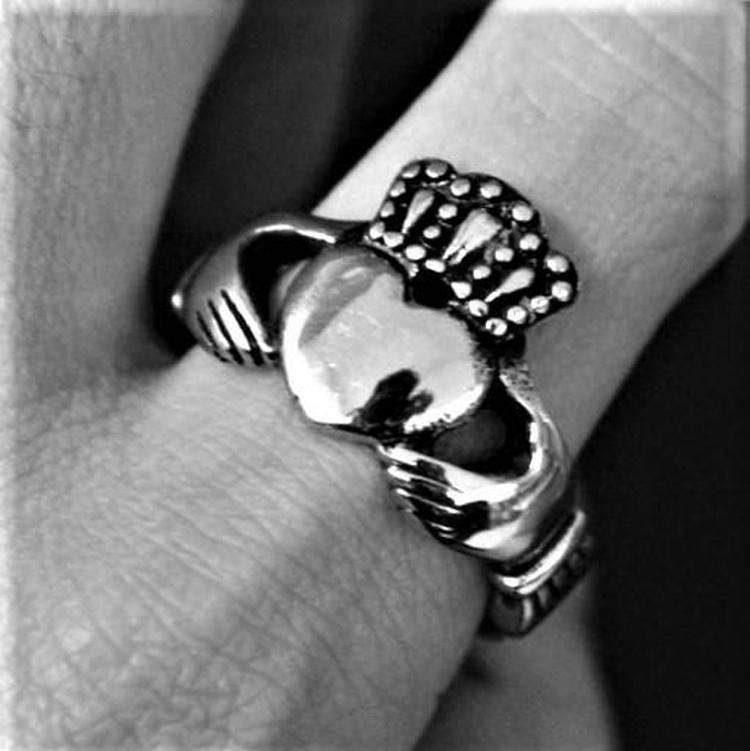 CLADDAGH RING - Rebelger.com