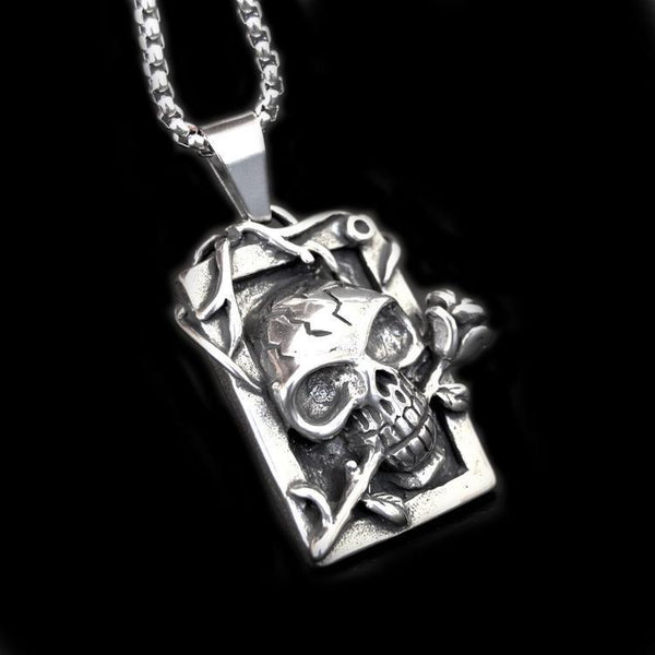 SKULL AND ROSES NECKLACE - Rebelger.com