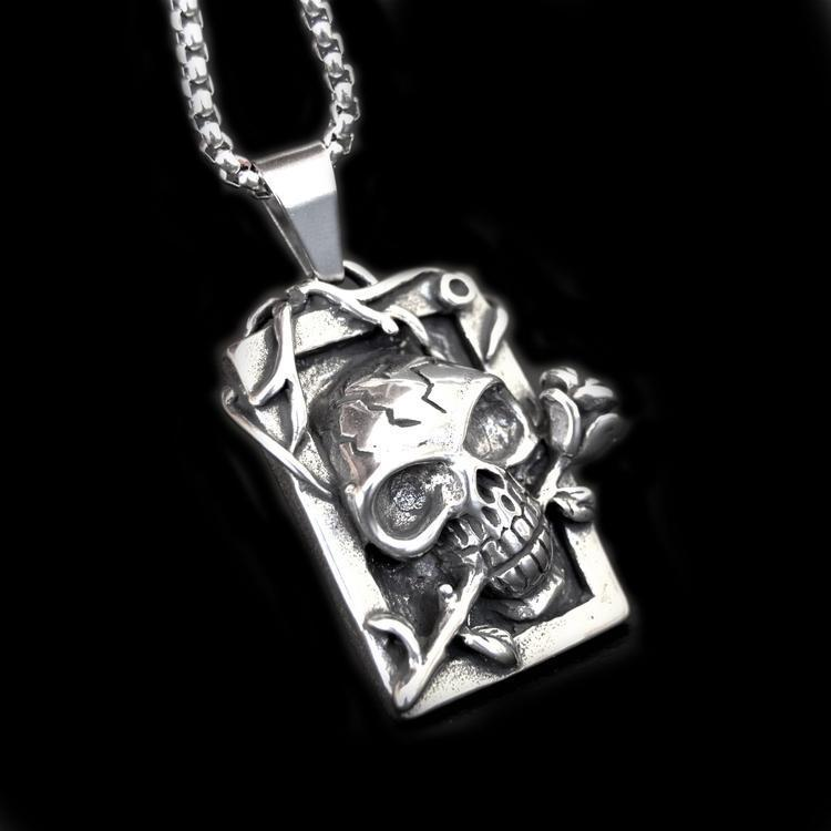 SKULL AND ROSES NECKLACE-Rebelger.com