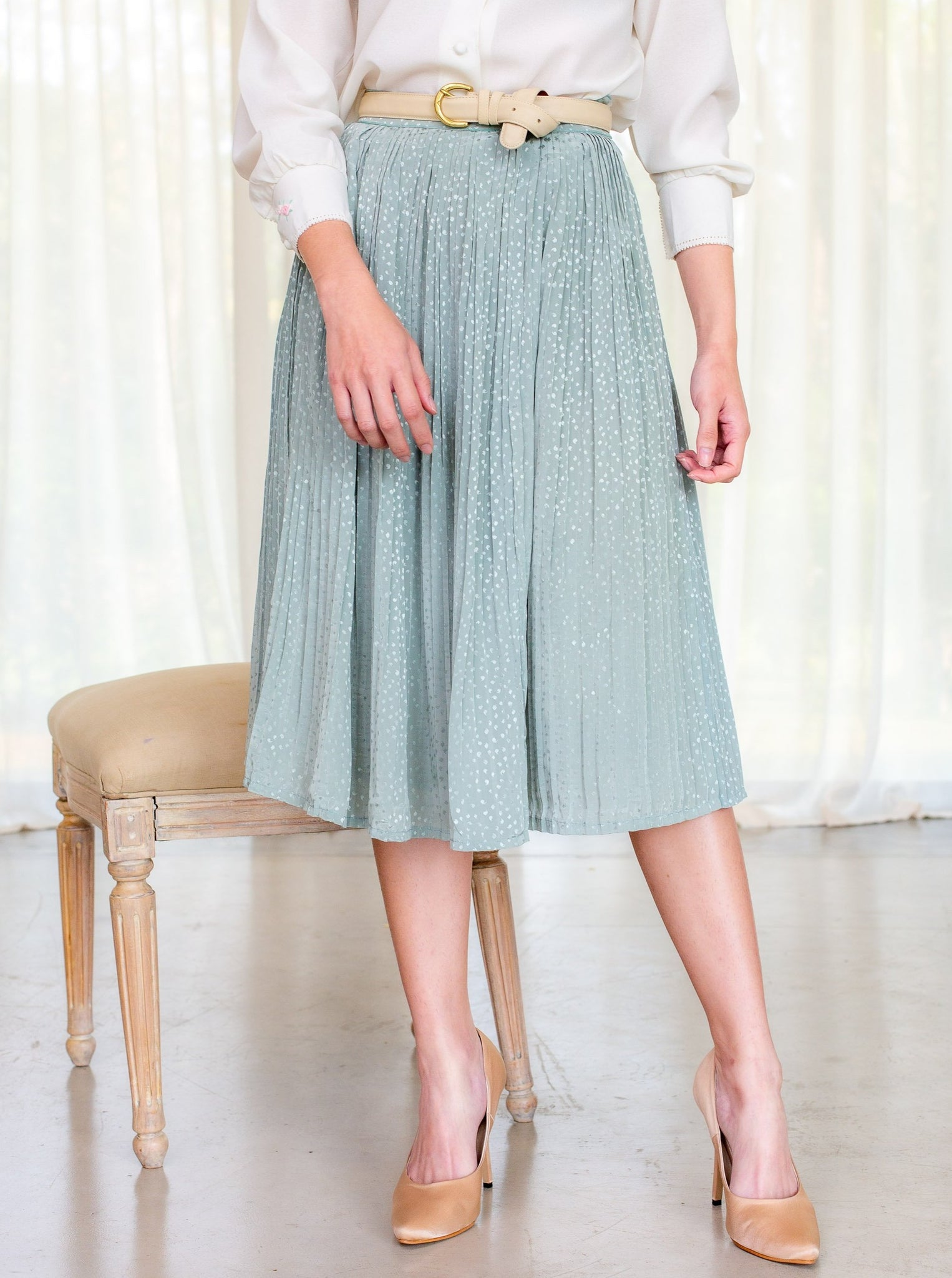Vintage 80s Pleated pastel green vintage skirt