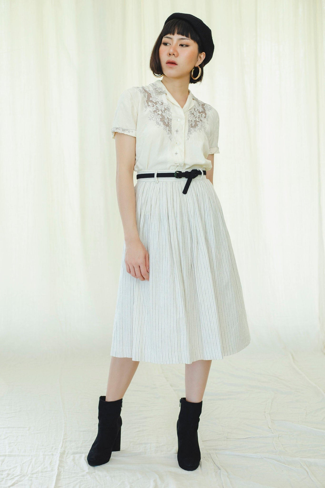 Off-white black stripes pleated skirt