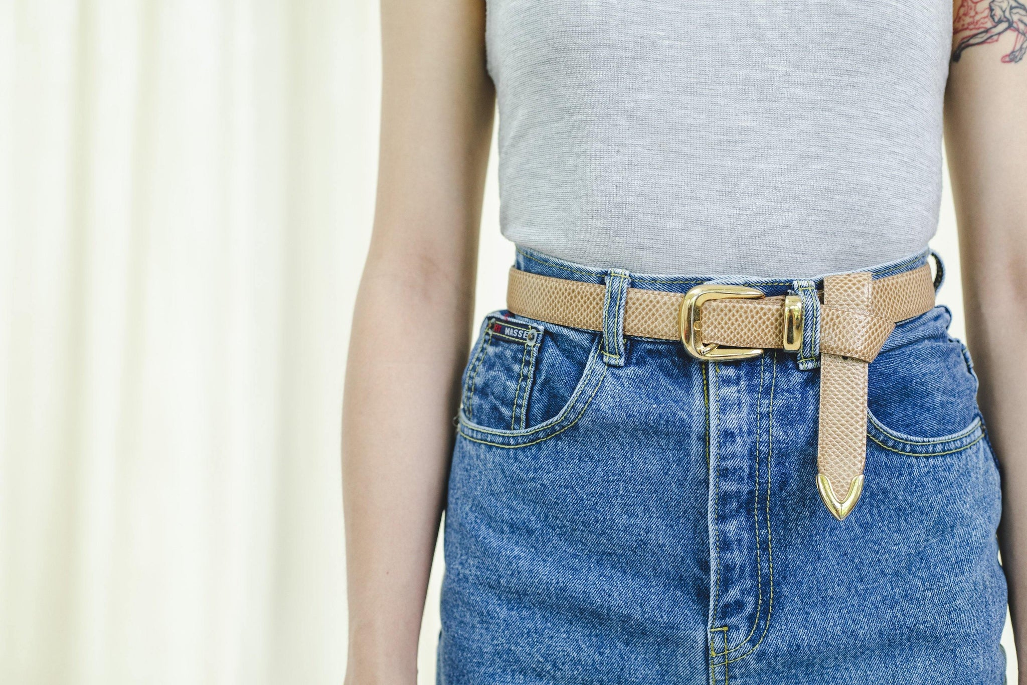 Beige leather vintage 1990s belt - Sugar & Cream Vintage