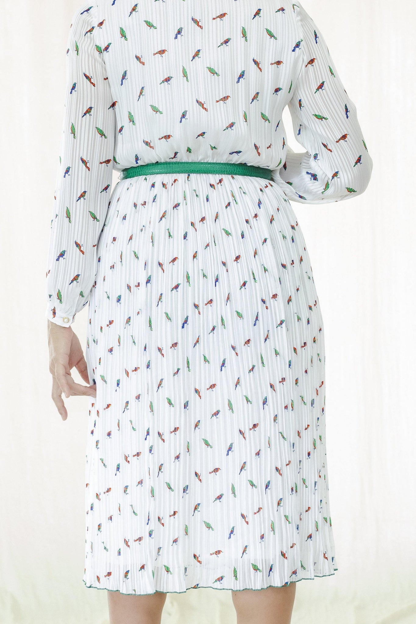 Dress l 1980s Japanese pleated dress with small bird print and Victorian style collar - Sugar & Cream Vintage
