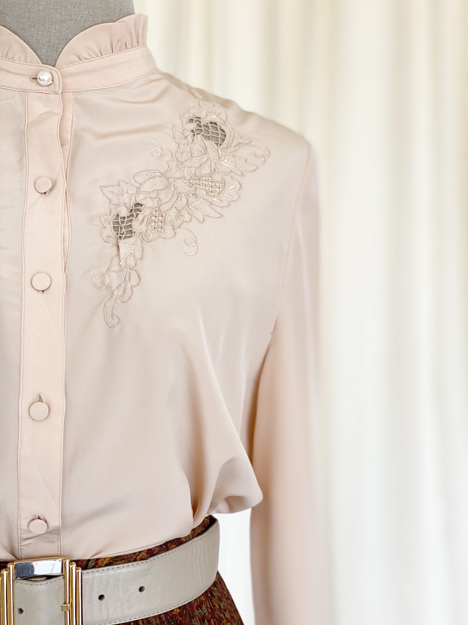 Vintage 80s Pure silk embroidered blouse