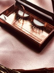 Luxury Lashes: Bella