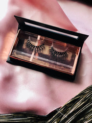 Luxury Lashes: CEO