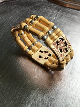 Beach Bracelet - Wood Pendant Stretch Bracelet