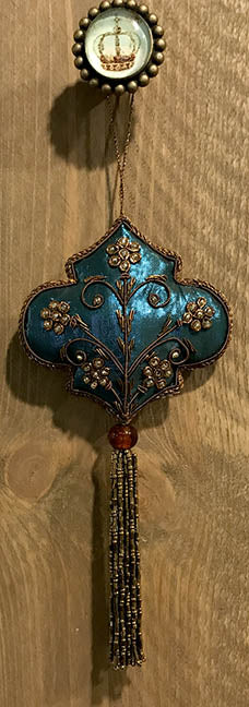 Hanging Knob Ornament - Blue Cloth