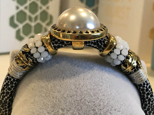 BOHO Magnetic Focal Bracelet - Pearl with Black & White Spotted Band