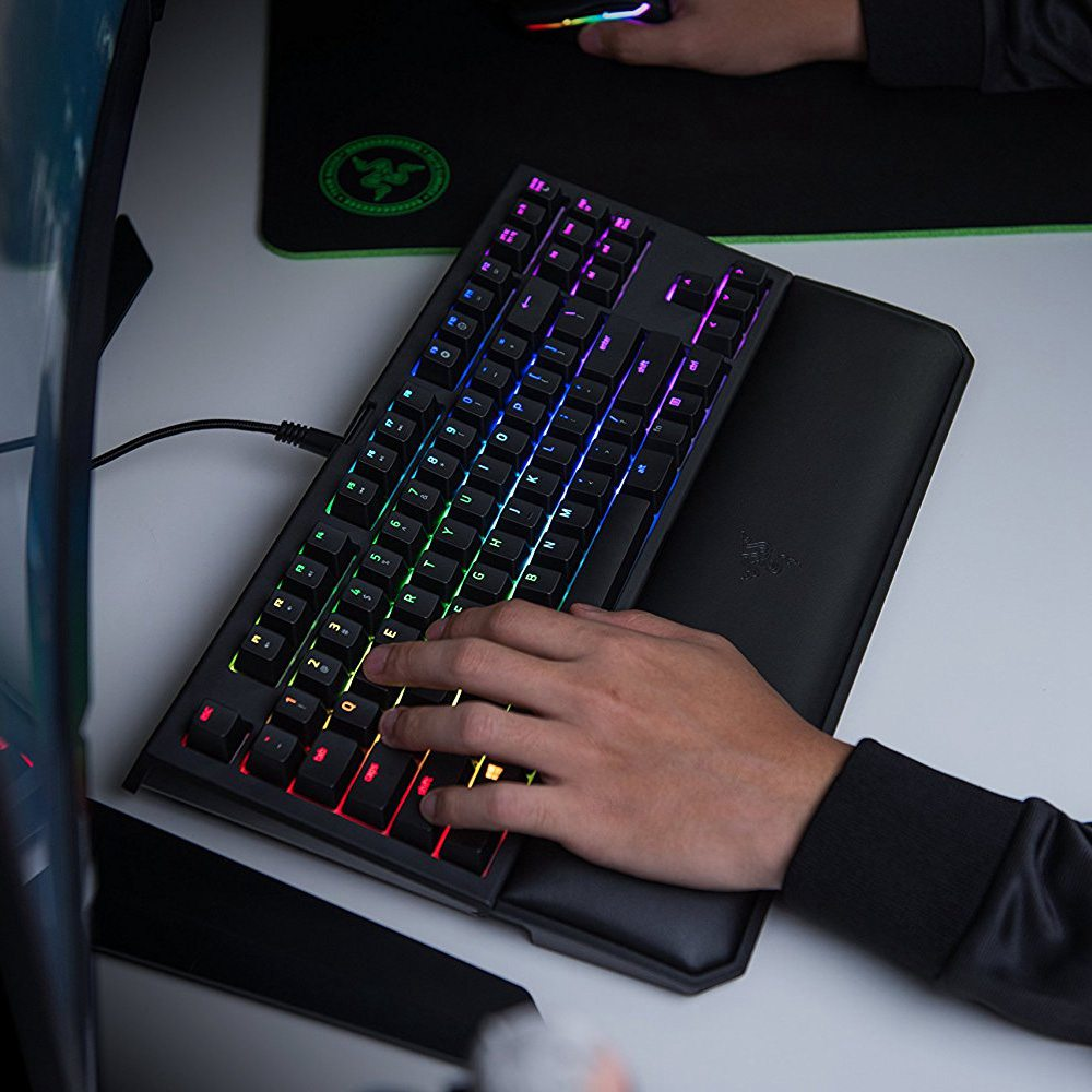 Original Razer Black Widow Keyboard - Ultimate Gaming Equipment