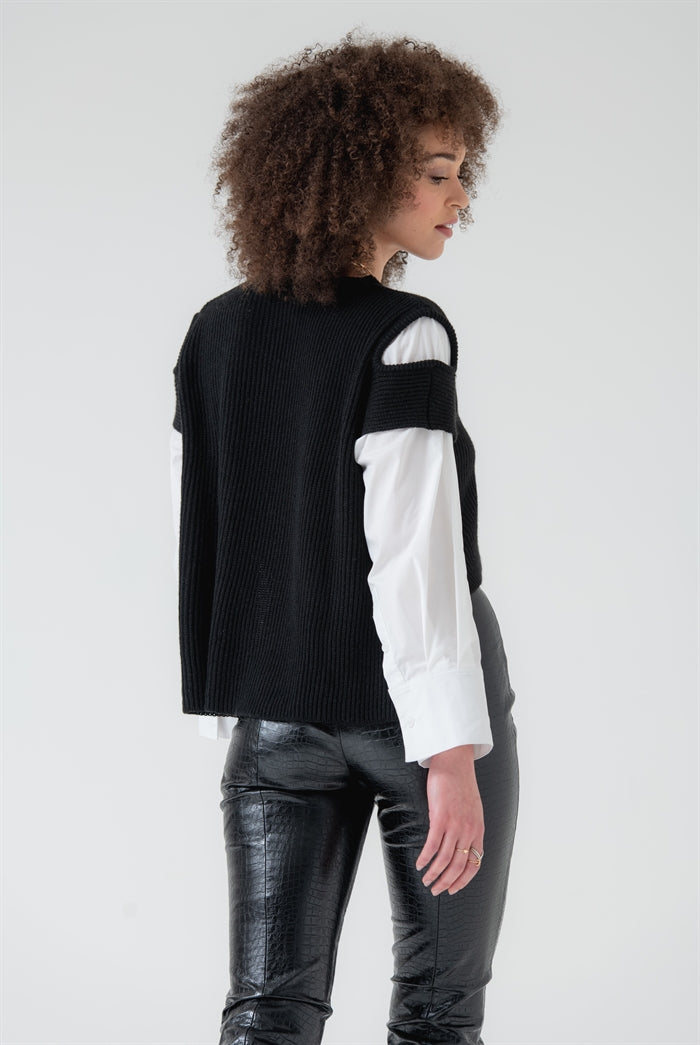 Two Tone Knitted Jumper in Black/White