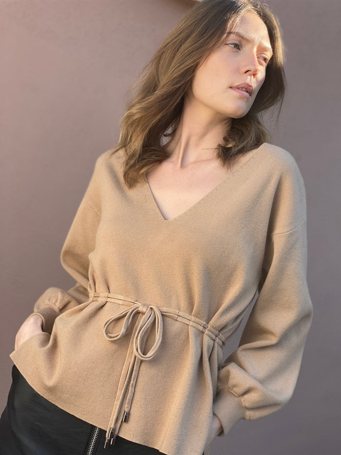V Neck Jumper with Tie in Nude