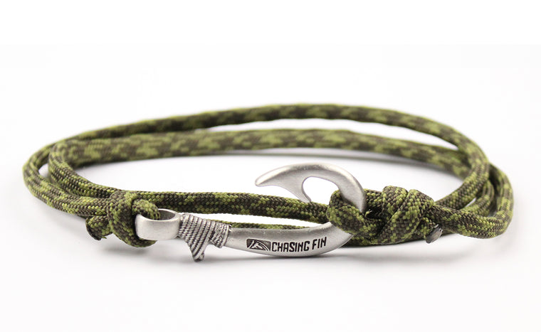 Digital Moss Fish Hook Bracelet