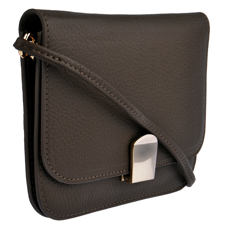 CHI CHI FAN Flap Bag Quer in Braun 2