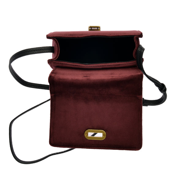 Marc O'Polo Crossbody Bag Samt in Bordeaux 4