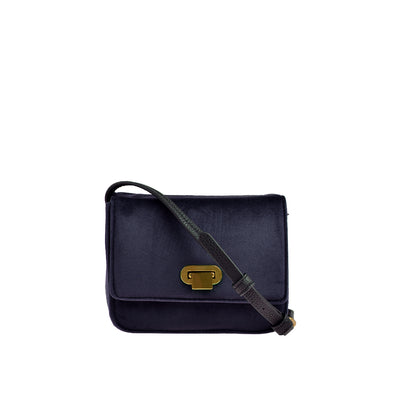 Marc O'Polo Crossbody Bag Samt in Blau 1
