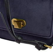 Marc O'Polo Crossbody Bag Samt in Blau 8