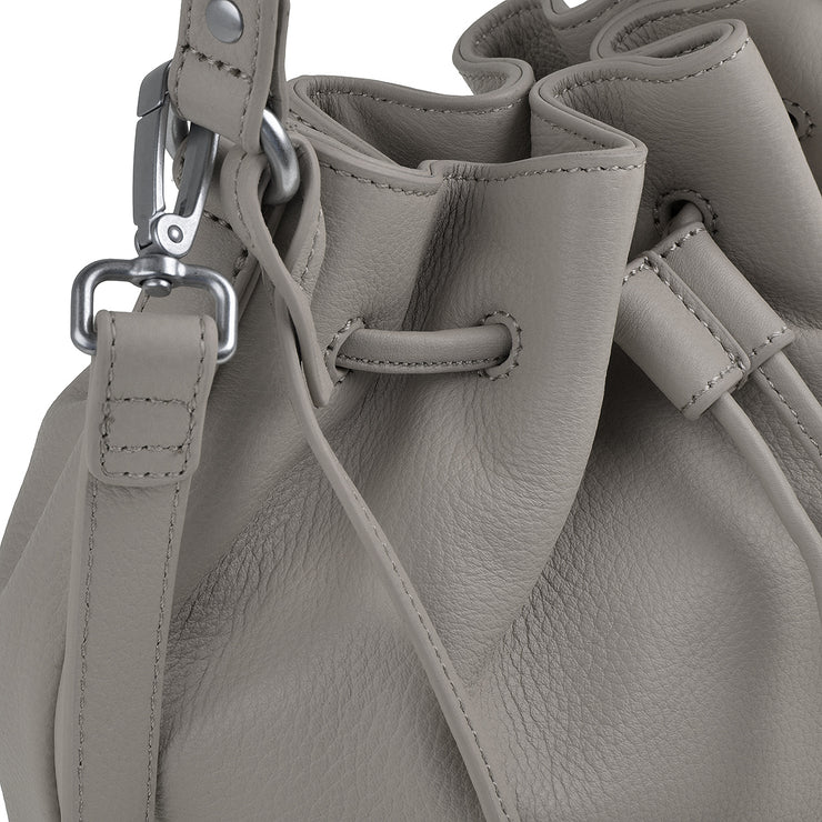 Marc O´Polo Bucket Bag in Broken White 8