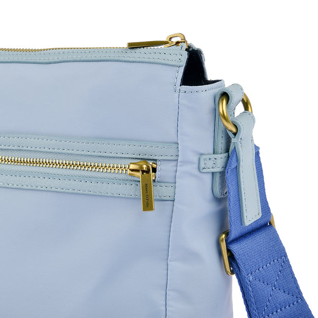 Marc O'Polo Nylon Umhängetasche in Sky Blue
