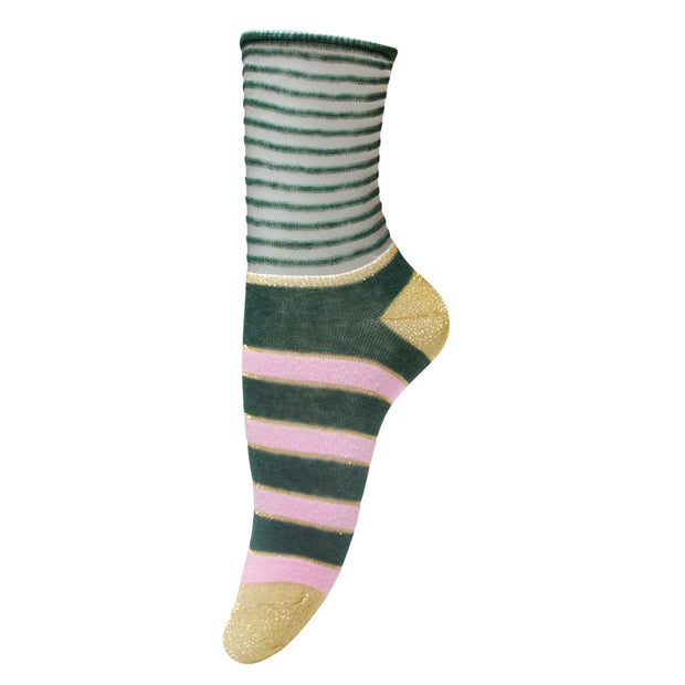 UNMADE Copenhagen Socken Ines in Granite Green 1