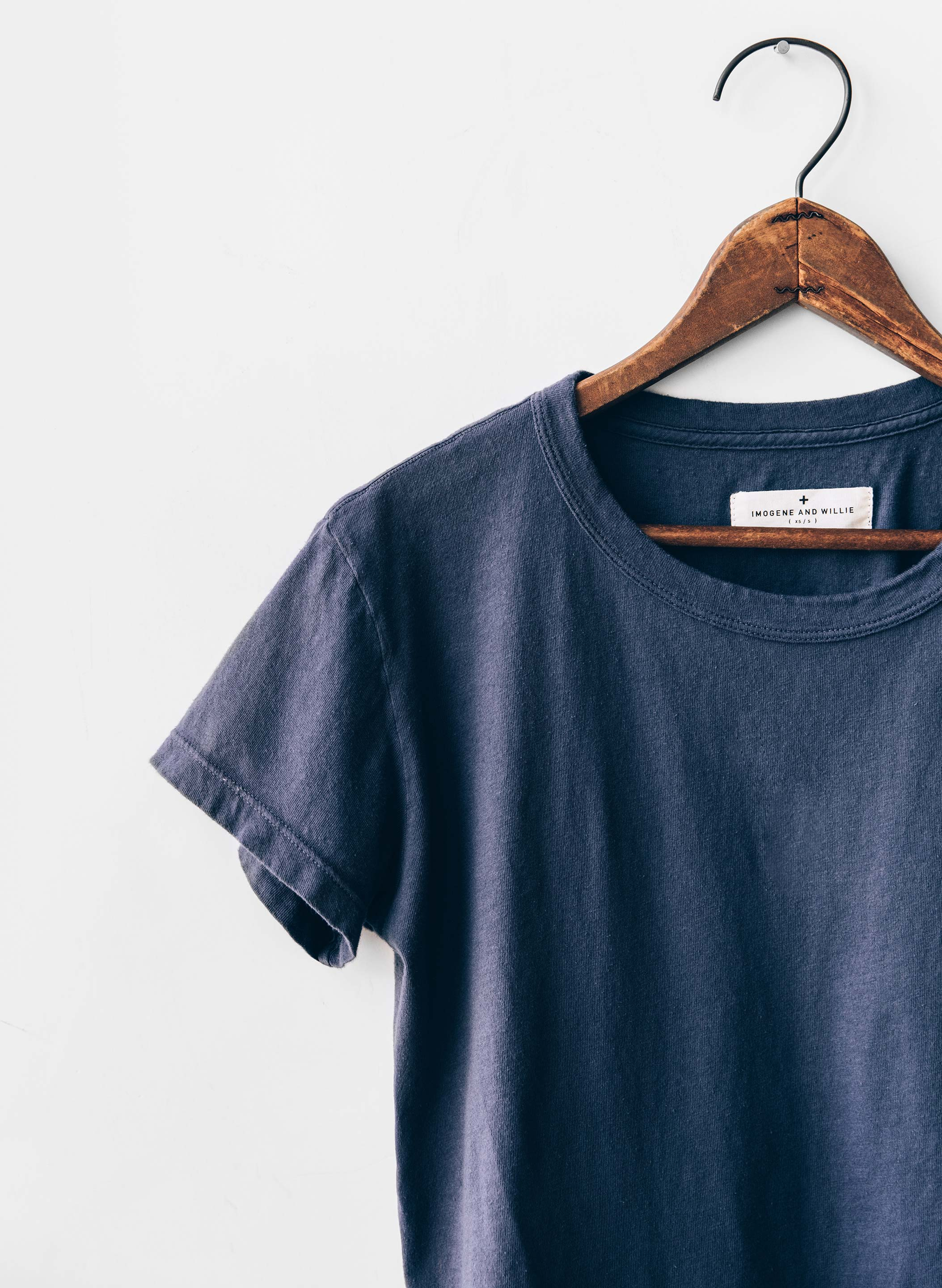 imogene + willie - the drop tee in faded blue
