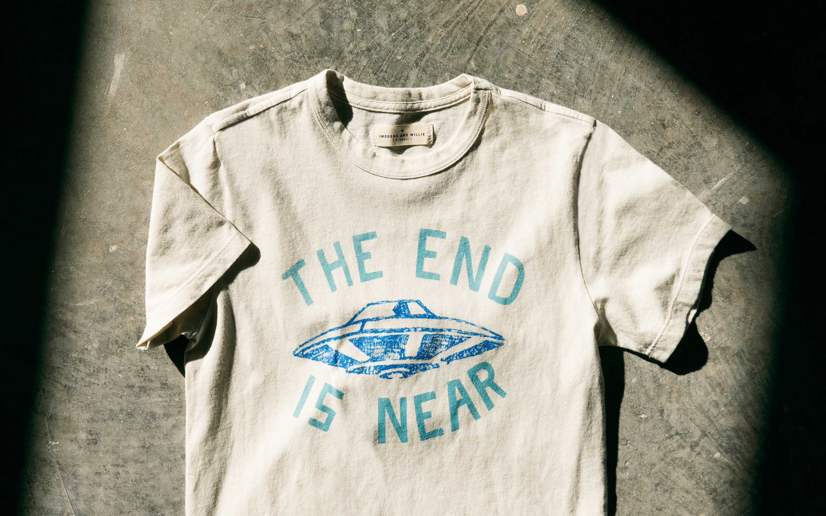 "imogene + willie - the ""end is near"" tee"