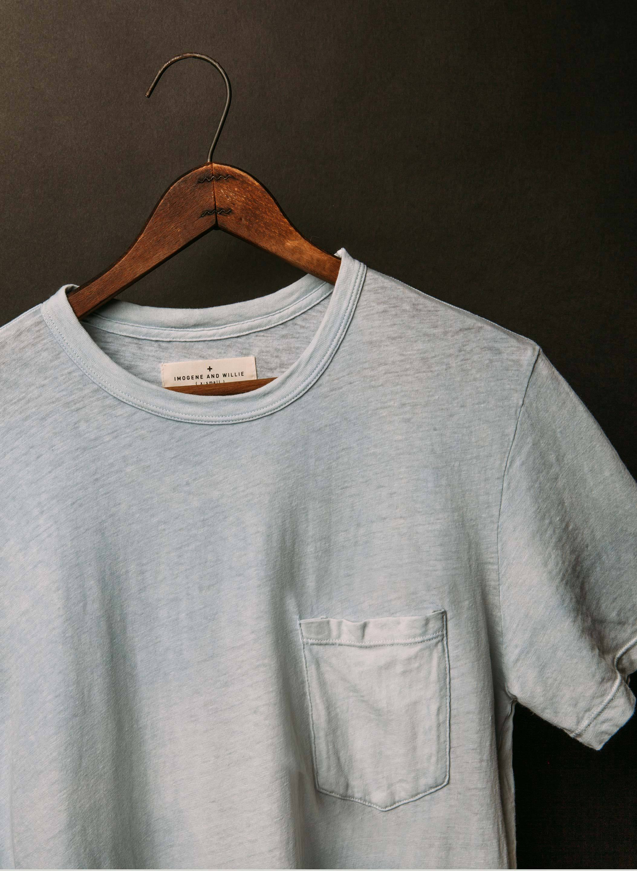 imogene + willie - pocket tee in faded indigo