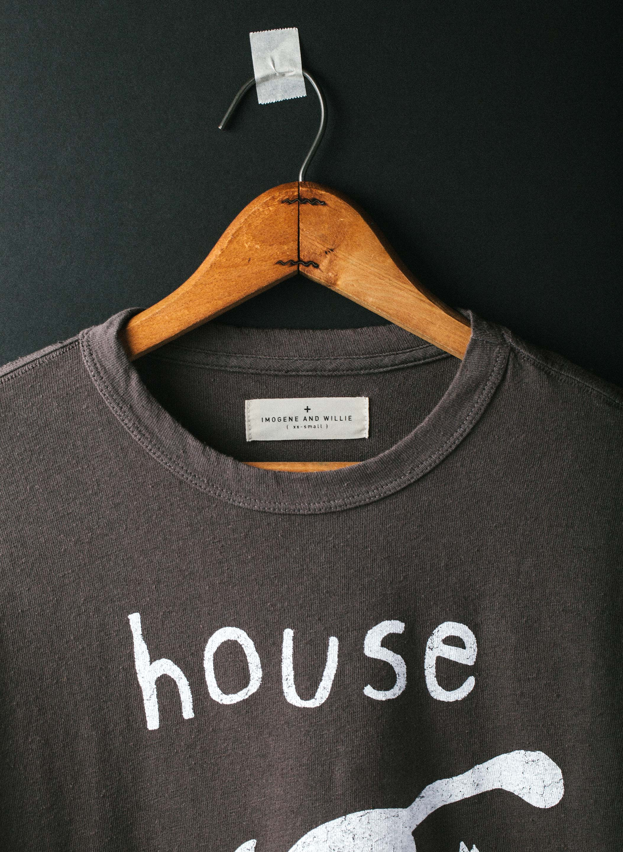 "imogene + willie - the ""house arrest"" tee in grey"