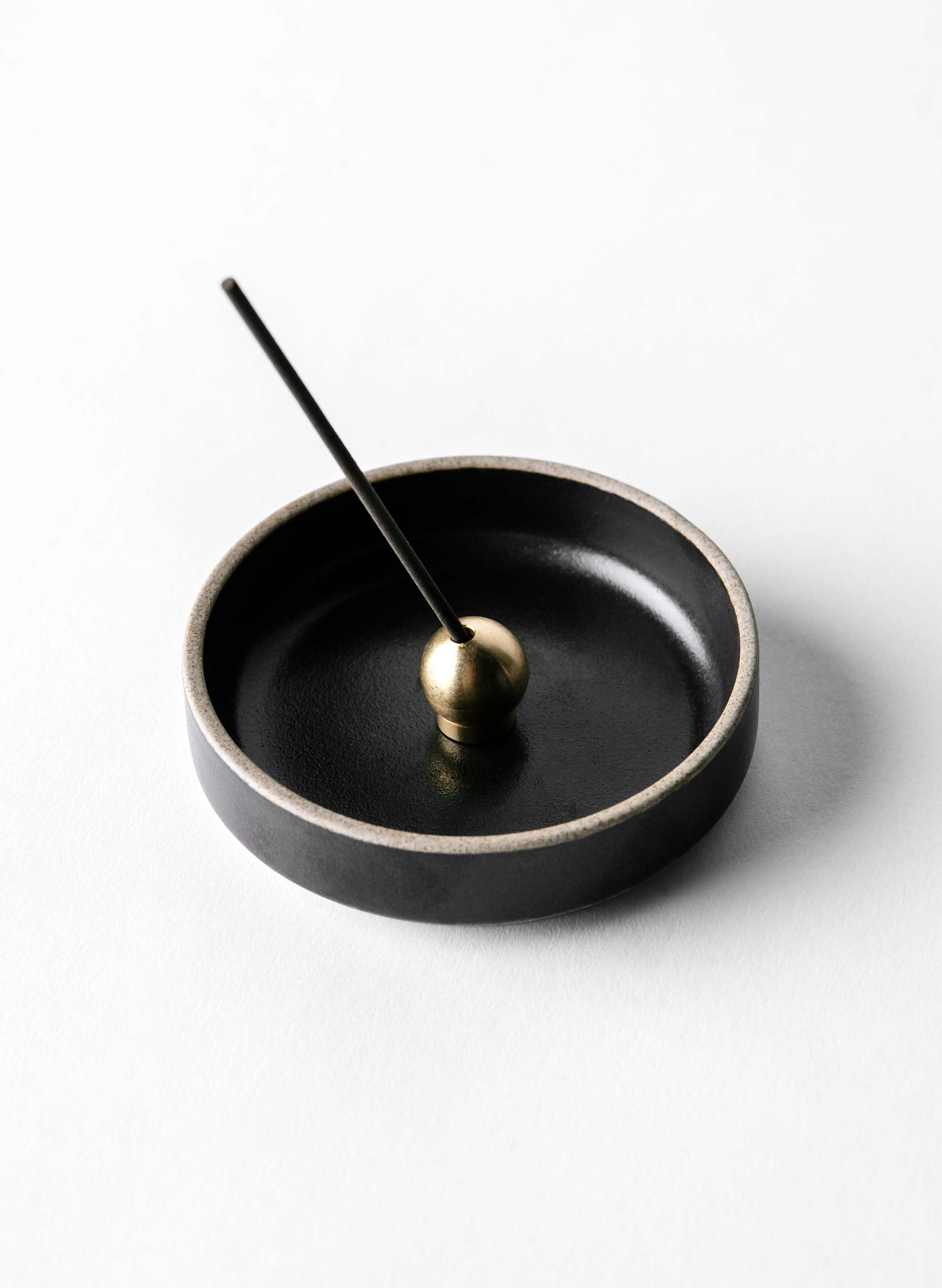 imogene + willie - hasami incense holder set with aloeswood