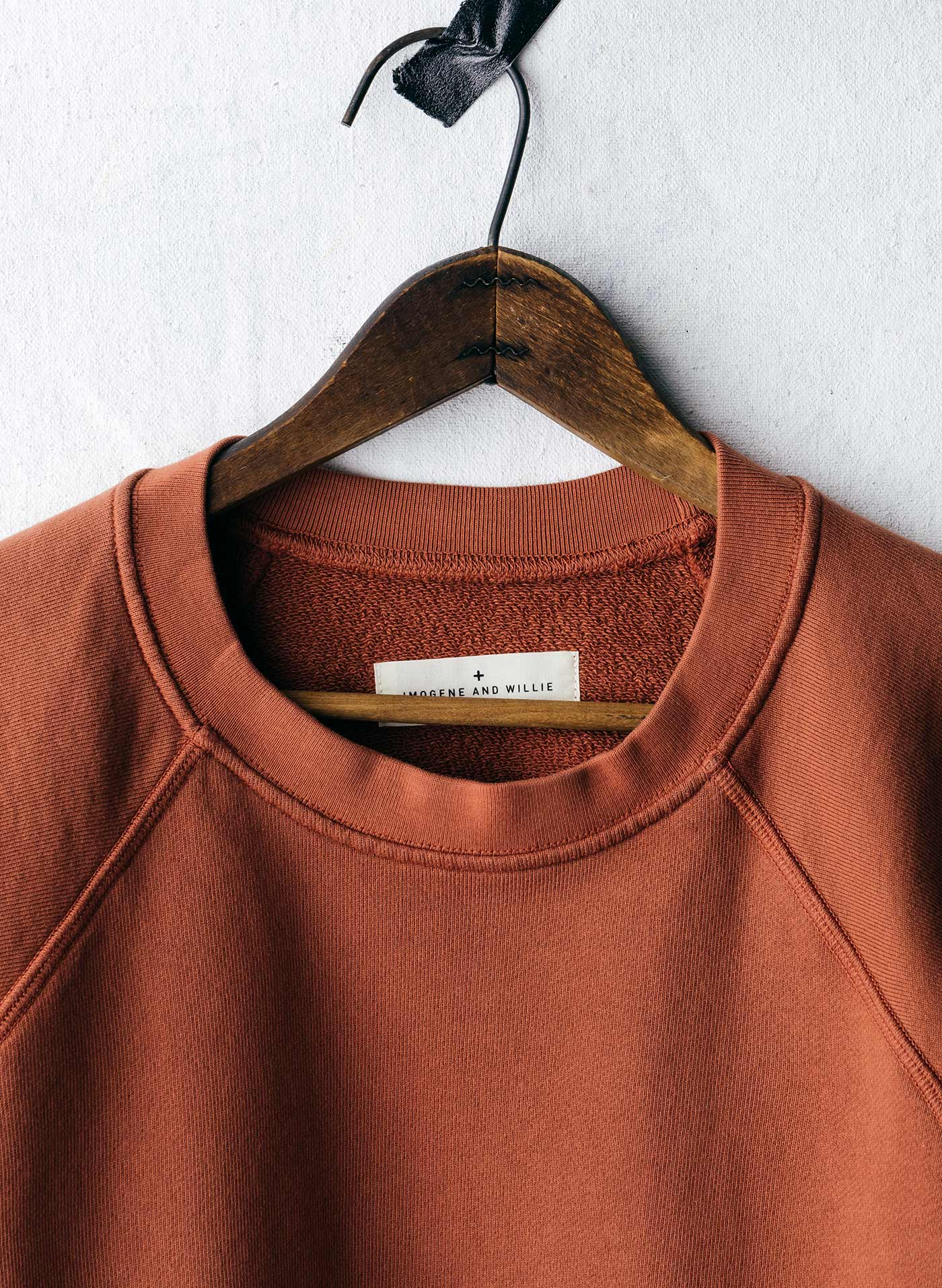 imogene + willie - layla s/s sweatshirt in faded fire