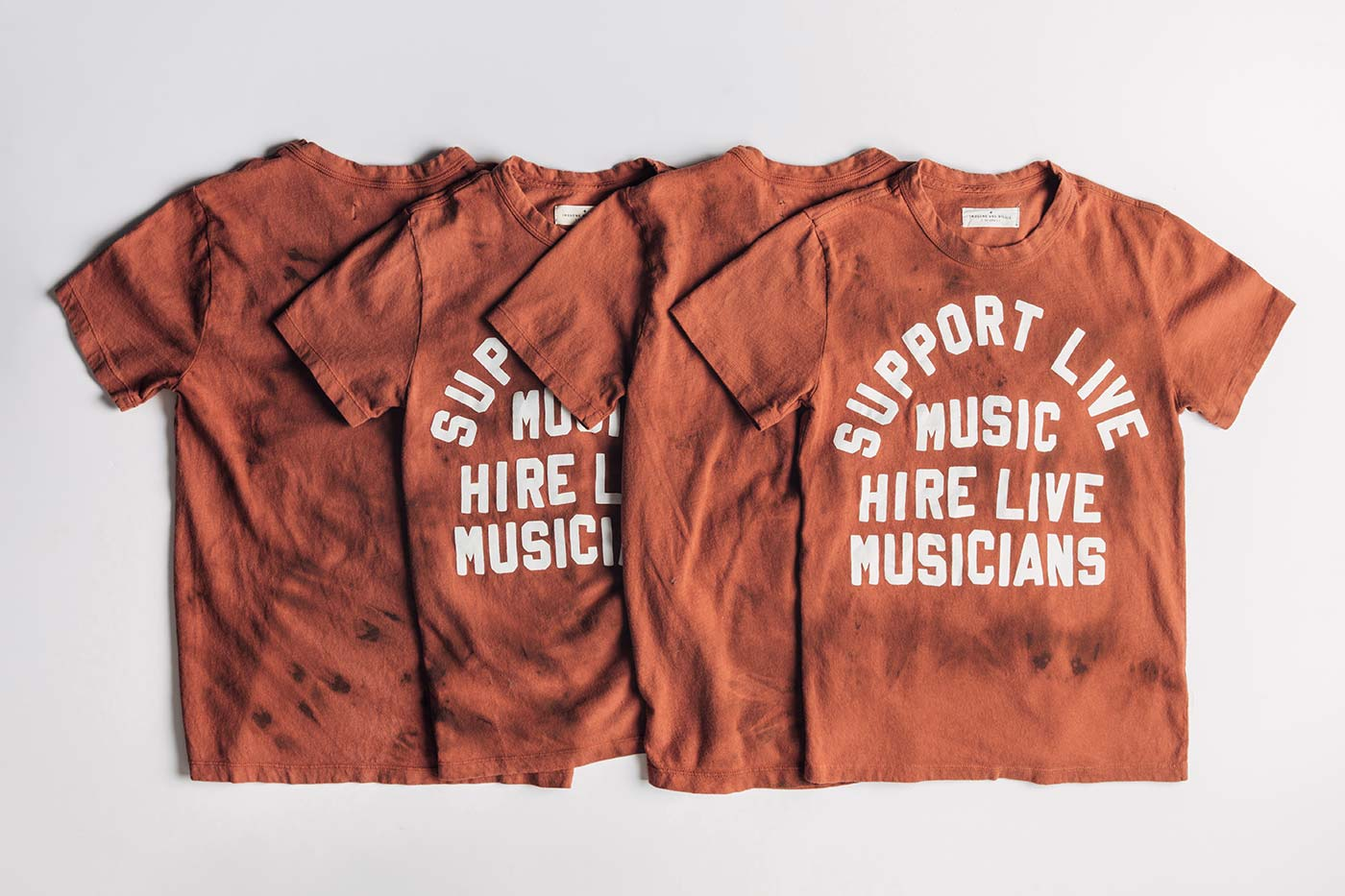 "imogene + willie - the reverse dyed ""support live music"" tee"