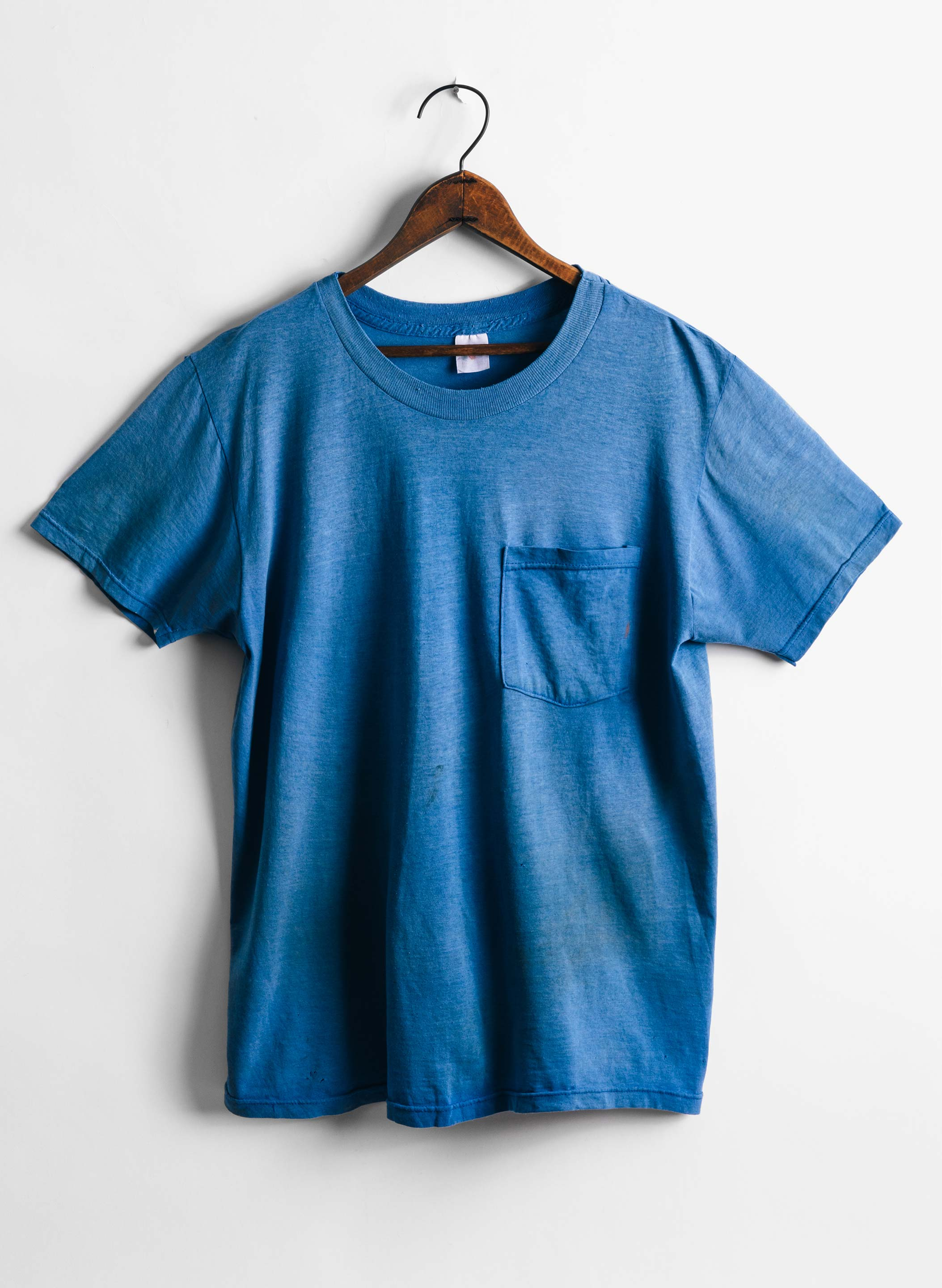 "imogene + willie - vintage ""holman"" pocket tee"