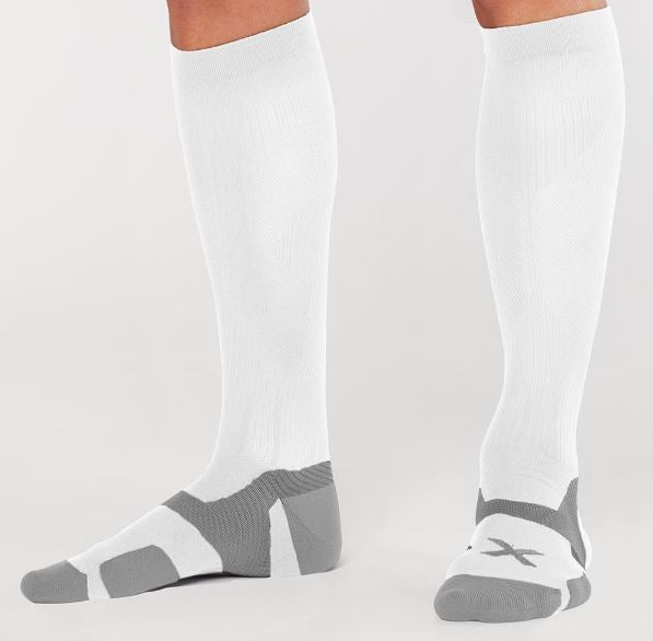 2XU COMPRESSION SOCKS (FULL LENGTH)