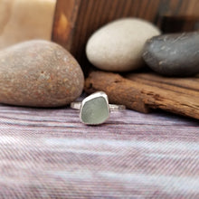 Load image into Gallery viewer, Talulah Sea Glass Ring No.4 size 5