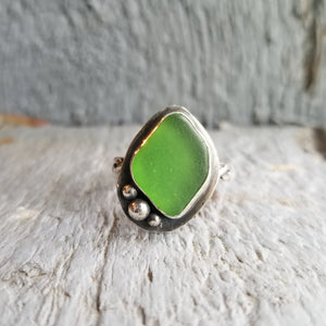 Kelly Green Sea Glass Ring - size 8.5