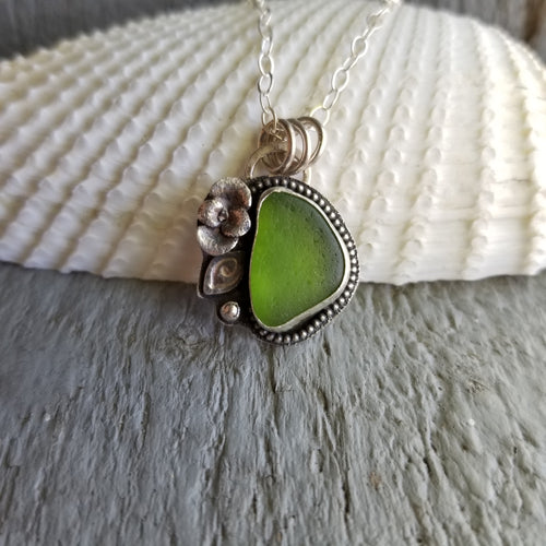 Kelly Green Sea Glass Pendant with Succulent Accent