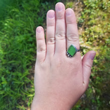 Load image into Gallery viewer, Kelly Green Sea Glass Ring - size 8.5
