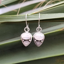 Load image into Gallery viewer, Moonstone Drop Earrings