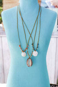 Sandkissed Surfer Necklace - Shiva Shell & Crystals