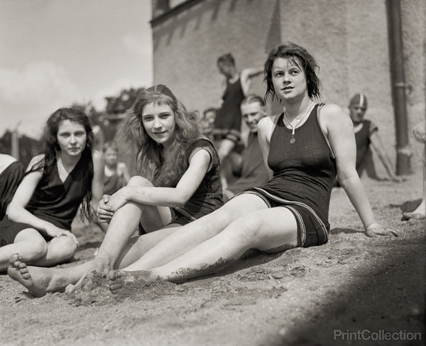 Bathing Beach Beauties