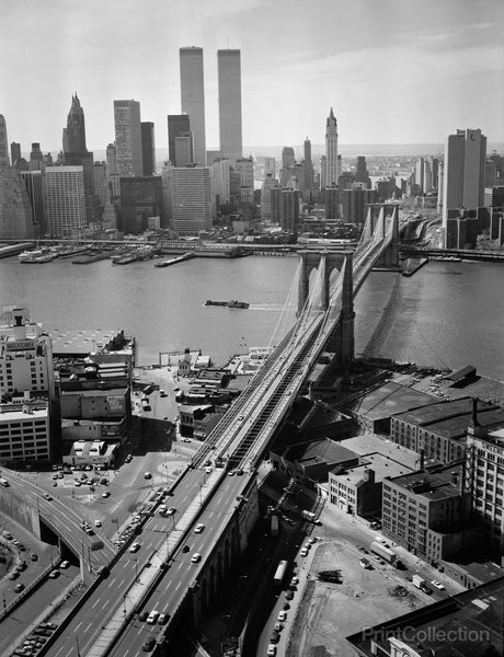 Brooklyn Bridge, Spanning East River, Aerial