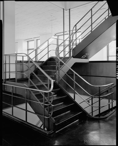 Chicago Park District Administration Building, Stairway