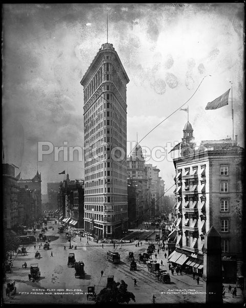 Flatiron Building, Fifth Avenue and Broadway, New York