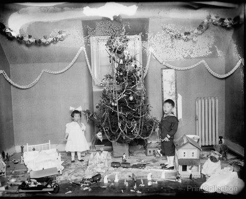 Koo Children, Christmas Tree in 1919