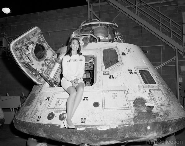 Miss NASA Apollo 8