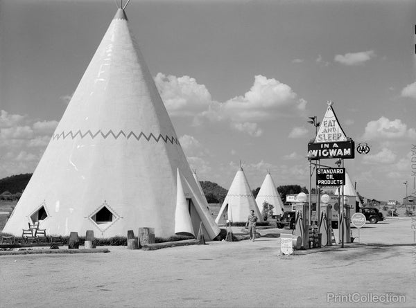 Motel Cabins Imitating the Indian Teepee