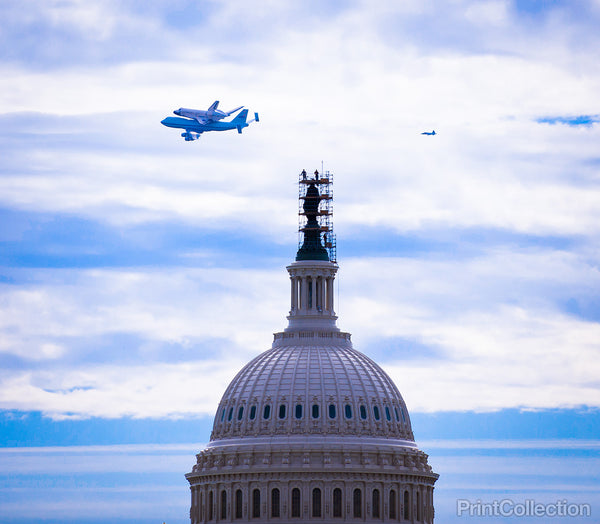 Shuttle Discovery Over the U.S. Capitol