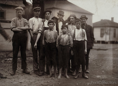 Workers in Avondale Mills. Location: Birmingham, Alabama.